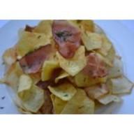 Картофельные чипсы с беконом Фото