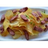 Домашние чипсы с колбасками Фото
