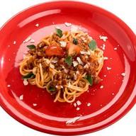 Спагетти под соусом Болонезе Фото