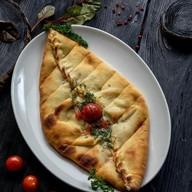Пиде с сыром и помидорами Фото