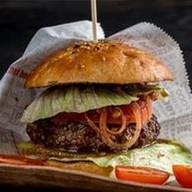 Фирменный бургер из говядины Фото