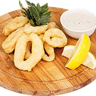 Кольца кальмара с соусом тар-тар Фото