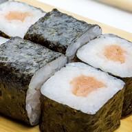 Ролл классический с лососем Фото