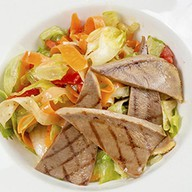 Салат с отварным говяжьим Фото