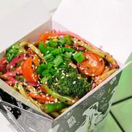 Овощи в кунжутном соусе Фото