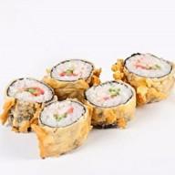 Темпурные роллы с жареным лососем Фото