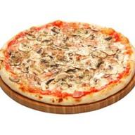 Пицца Грибы и Ветчина Фото