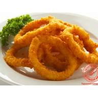 Луковые кольца в кляре с соусом на выбор Фото