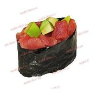 Гункан тунец с авокадо Фото
