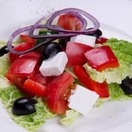 Салат Греческий из свежих овощей Фото