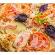 Пицца с соусом тар-тар Фото
