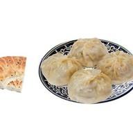 Манты с говядиной и картофелем + лепешка Фото