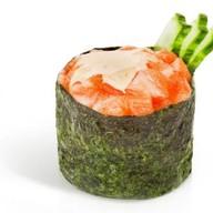 Острый гункан с лососем Фото