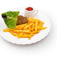 Картофель с котлетой Фото