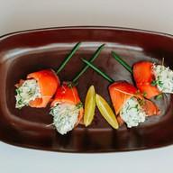 Рулетики из семги с сырной начинкой Фото