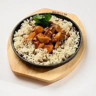 Говядина стир-фрай с грибами и рисом Фото