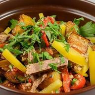 Салат с говядиной и жареными баклажанами Фото