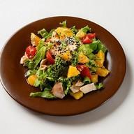 Салат с куриным филе и апельсинами Фото