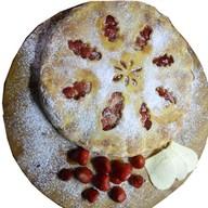 Пирог с клубникой и сыром Фото