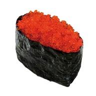 Суши с красной икрой тобико Фото