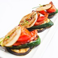 Овощи гриль с оливковым маслом Фото