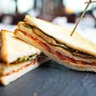 Сендвич с начинкой на выбор Фото