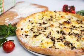 Пицца с шампиньонами - Фото