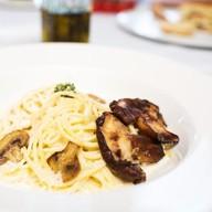 Спагетти с белыми грибами и шампиньонами Фото