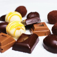 Шоколадные конфеты ручной работы Фото