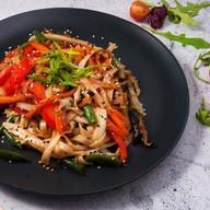 Удон с овощами под соусом терияки Фото