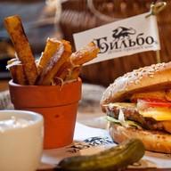 Бургер Middle-Earth Фото
