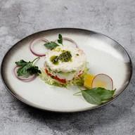 Салат с крабом и авокадо Фото