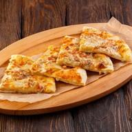 Мегрельский хачапури с грушей, сырами Фото