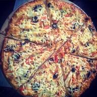 Куриная с грибами пицца Фото