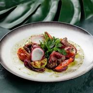 Гриль-салат с ростбифом Фото