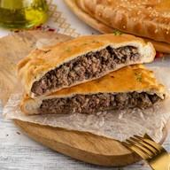 Пирог с мясом (сметанно-дрожжевой) Фото