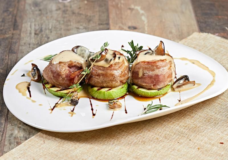 простые медальоны из мяса ресторанные рецепты с фото движения подчёркиваются лёгкостью